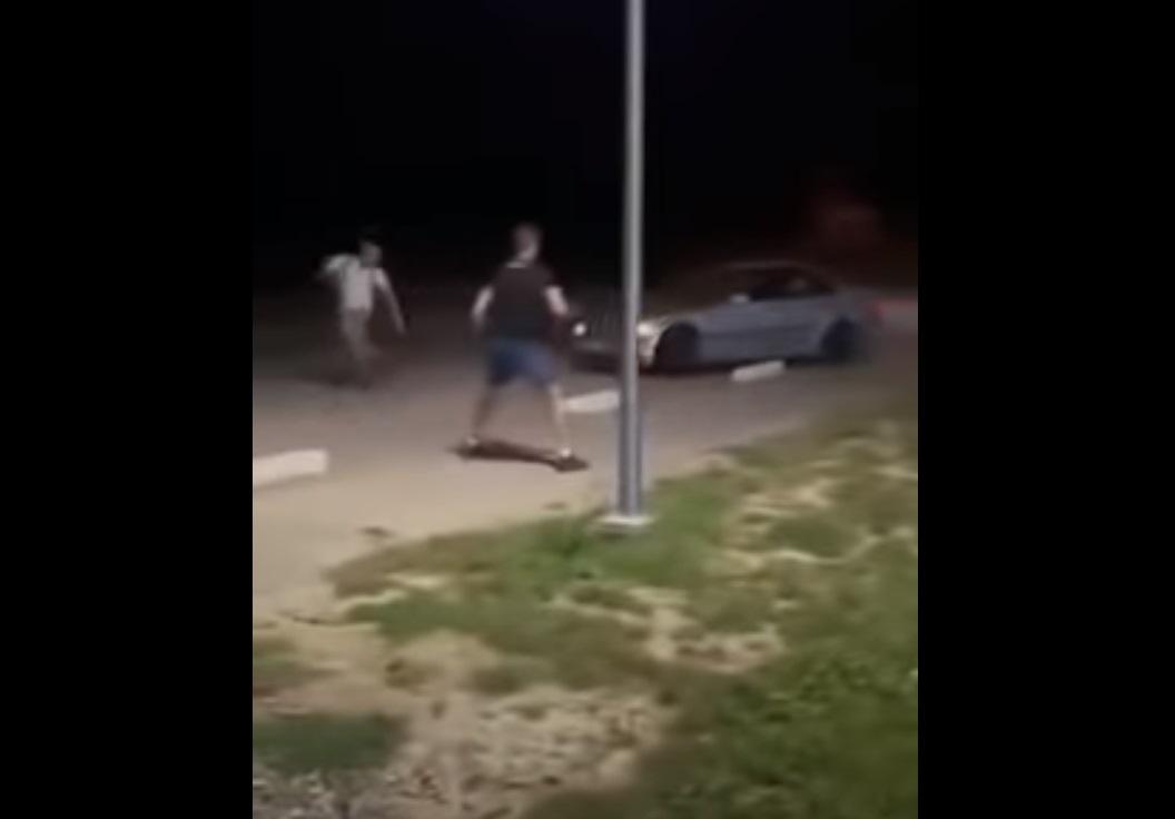 Kierowca BMW próbował potrącić pieszych. Został zatrzymany