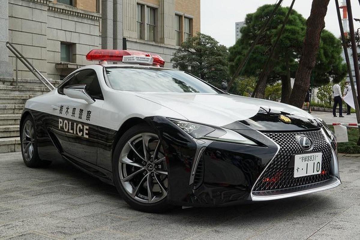 Lexus policja