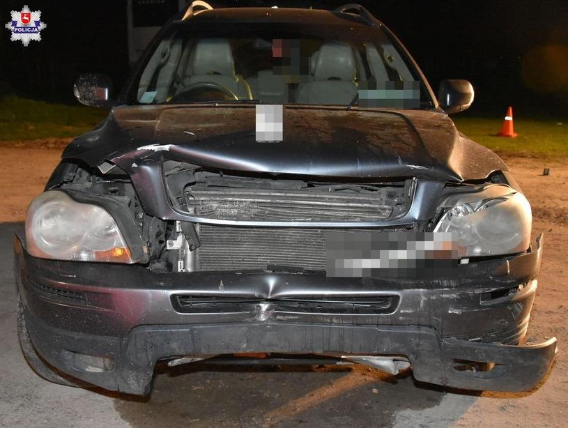 38-latek wjechał w wiatę. Zginęło dwóch mężczyzn. Kierowca chciał wprowadzić auto w poślizg kontrolowany.