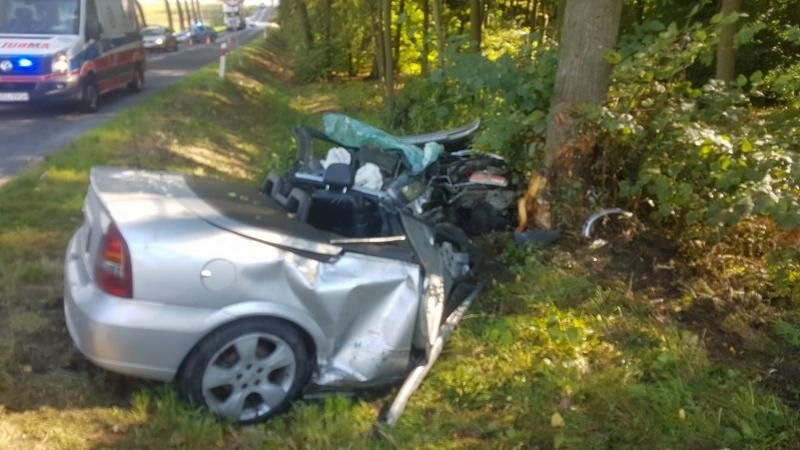 Wypadek Opla Astry na DK 416