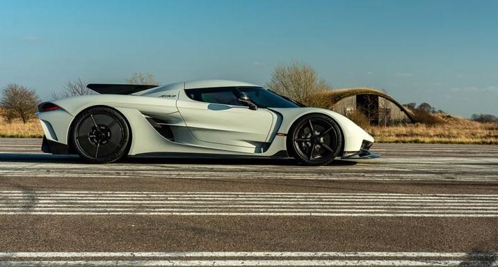 Koenigsegg planuje napędzać przyszłe pojazdy paliwem pozyskiwanym z półaktywnych wulkanów