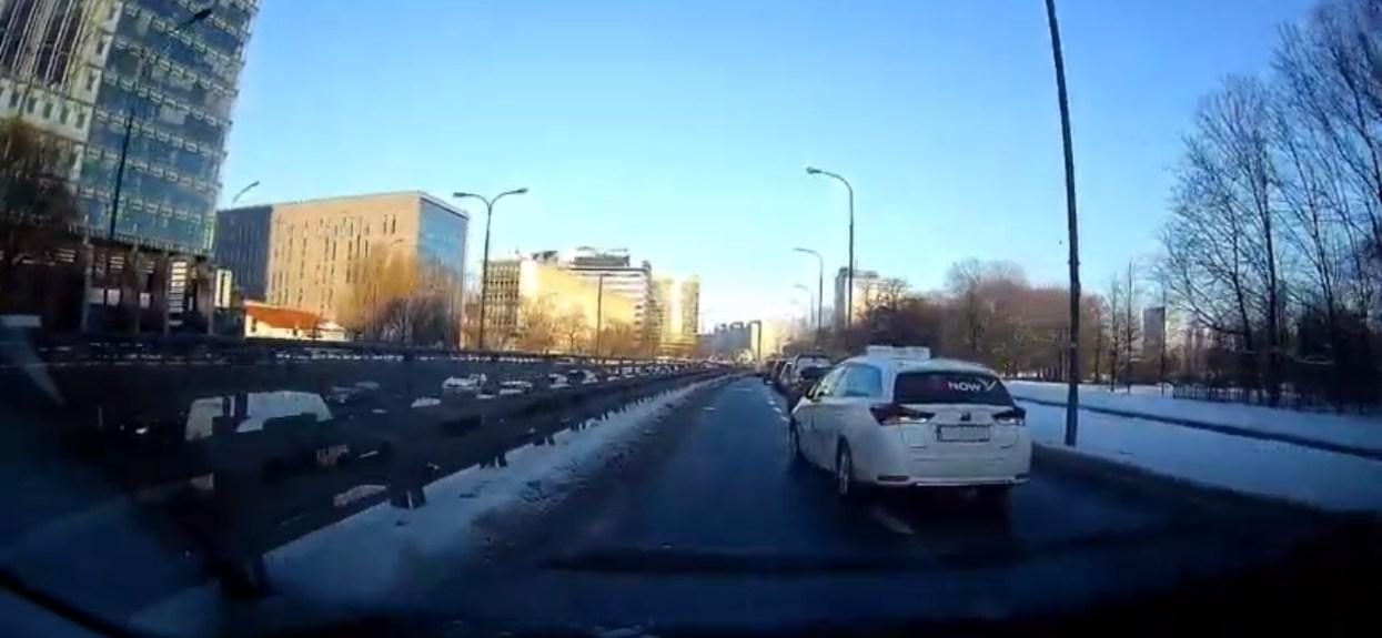 Taksówkarze jazda na suwak