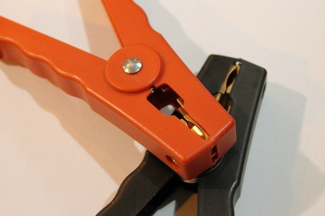 Na co zwracać uwagę przy wyborze kabli rozruchowych do auta?