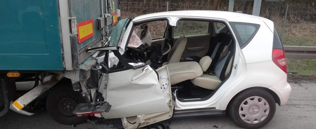 68-letnia kobieta zginęła uderzając w naczepę ciągnika
