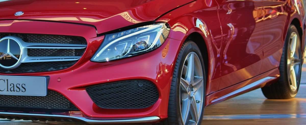 Mercedes klasy C – styl i osiągi, których poprawiać nie trzeba