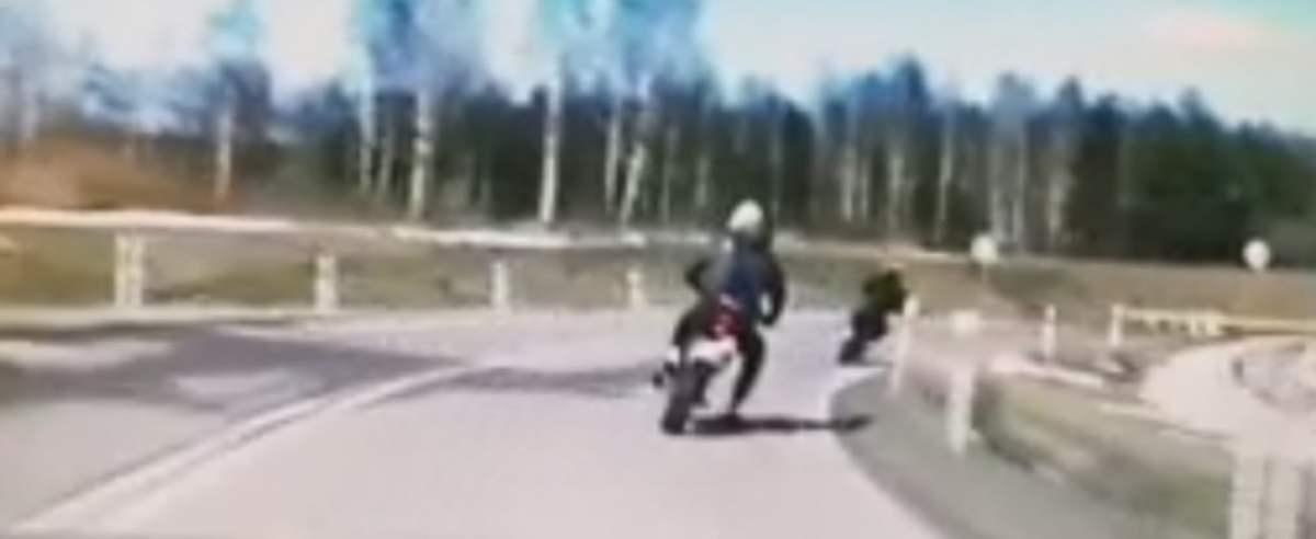 Motocykliści uciekali policji