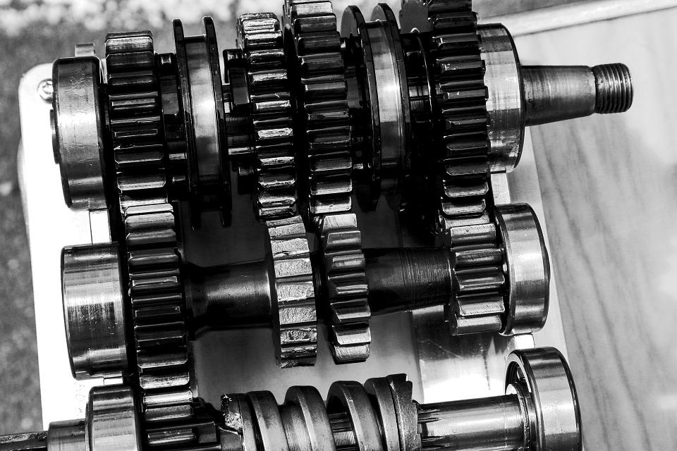 Budowa i sposób działania manualnej skrzyni biegów
