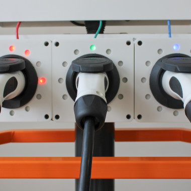 Transparant Charging Station 2