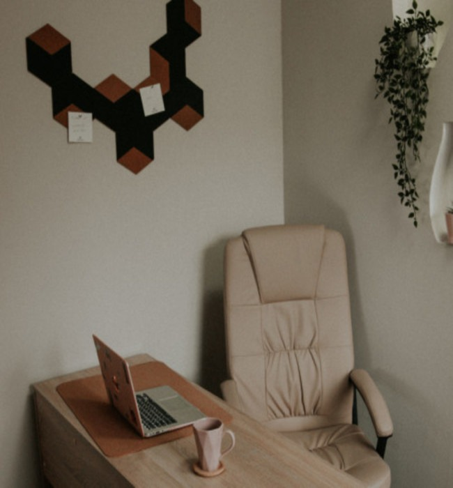 <p><b>To be or not to be in the office?</b></p>