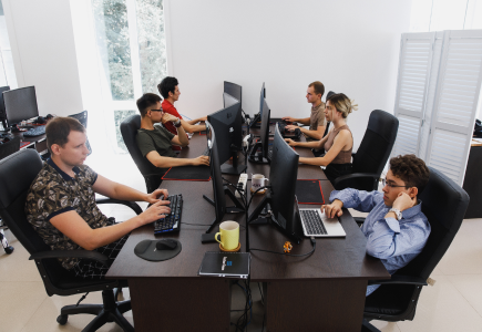 <p>How to behave on the first working day in a new company?</p>