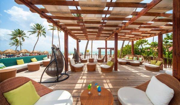 Beautiful beach bar with 360 degree views