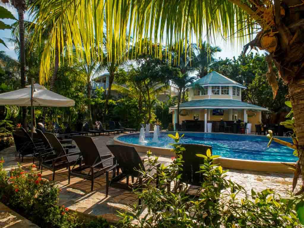 Roatan Hotel Deals