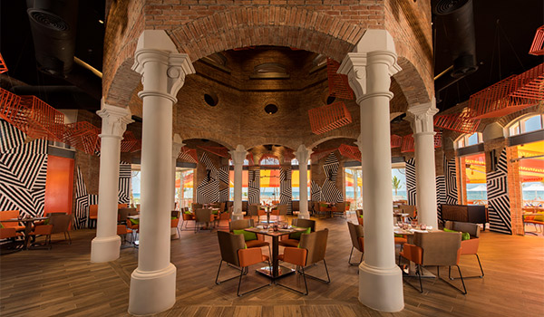 Restaurant Zest doté d'un décor unique de style méditerranéen