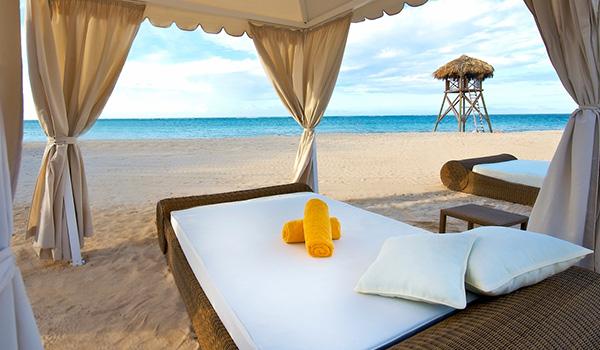 Massage beds on the beach