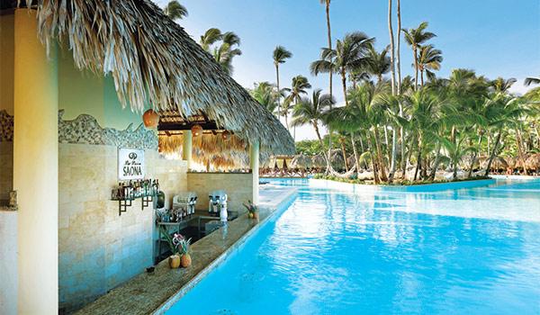 Swim-up bar overlooking the pool