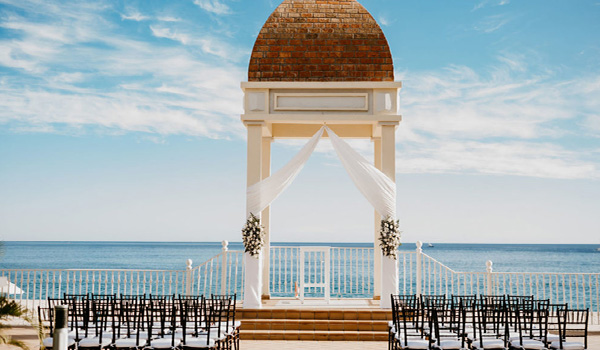 Beautiful gazebo with a panoramic view of the coast