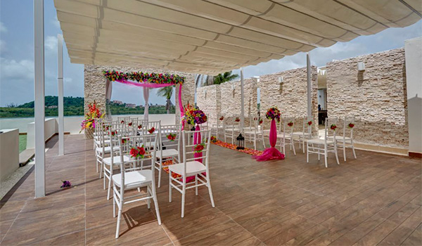 Wedding ceremony on a terrace overlooking the bay