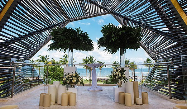 Wedding ceremony in a gazebo overlooking the ocean