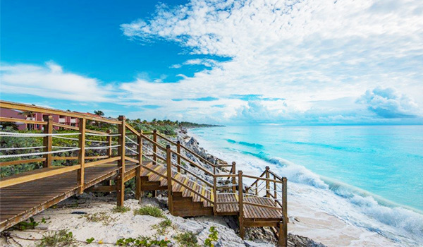 Wooden pier along beautiful stretch of Varadero Beach