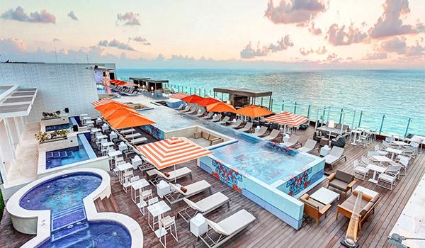 Level 18 Rooftop Cabana Lounge overlooking beautiful ocean