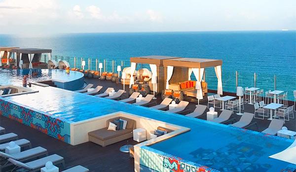 Rooftop pool in Cancun overlooking the ocean