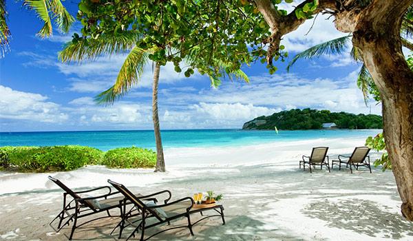 Magnifique plage à Antigua
