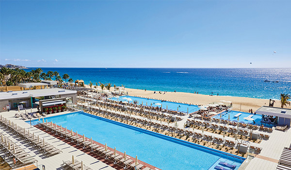 Numerous pools overlooking the beach