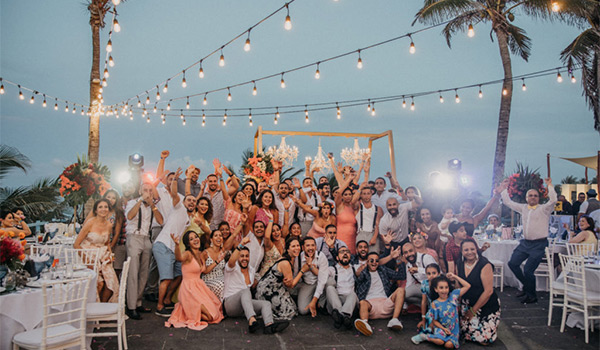 Group photo of wedding guests