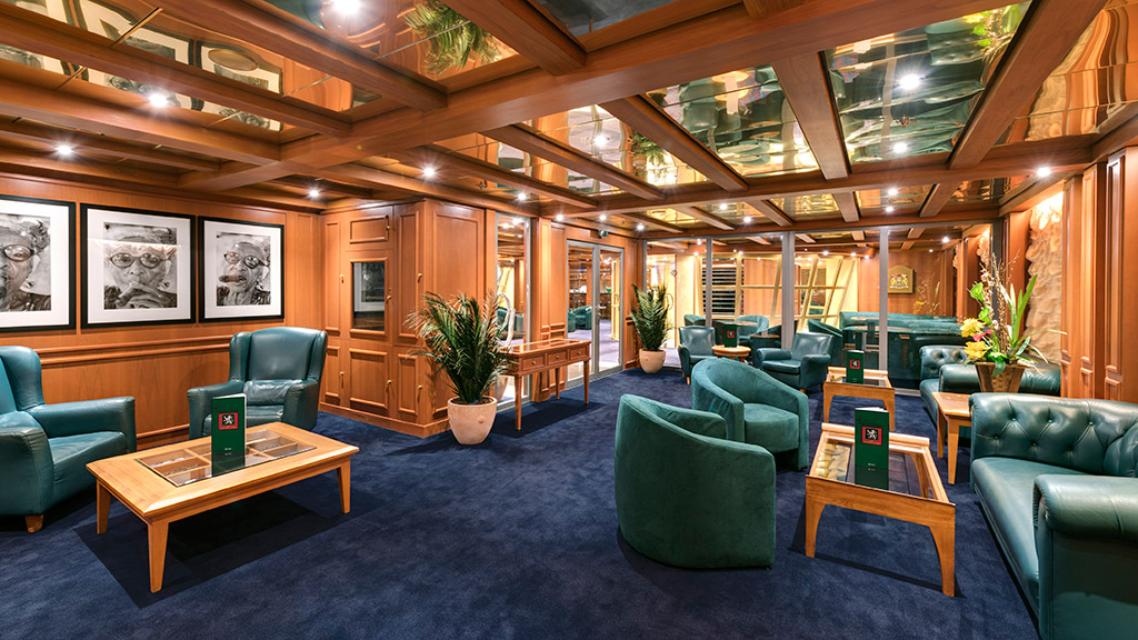 MSC Armonia - Cigar Room