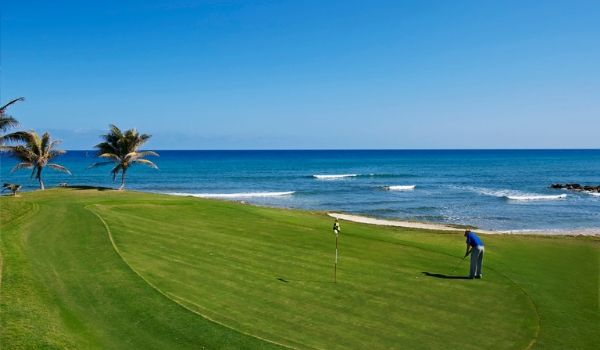 Picturesque golf course overlooking the ocean