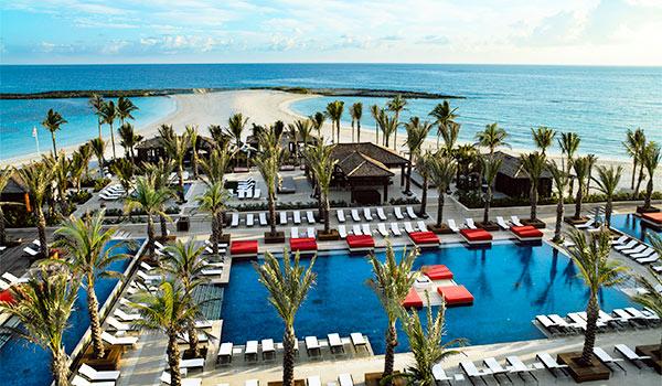 Infinity pool overlooking The Cove Atlantis