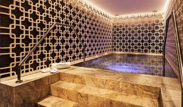 Calm pool at Grand Palladium Palace