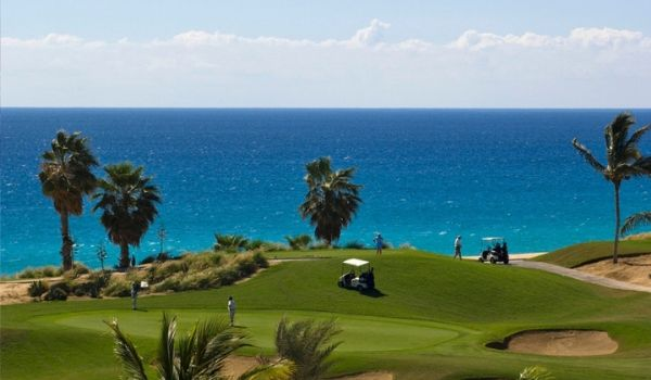 Gorgeous golf course overlooking sparkling waters