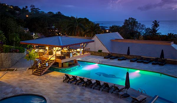 Serene pool overlooking the ocean