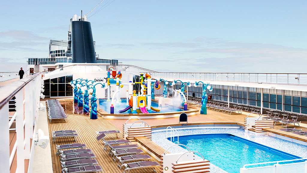 MSC Armonia - pool area