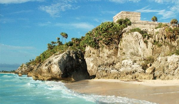 Mayan ruins on cliff overlooking Tulum Beach