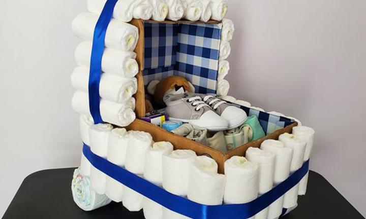 baby shower diaper cakes