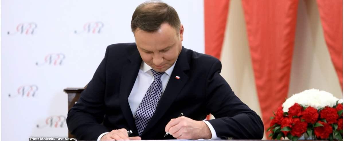 Fot. Piotr Molecki/East News. Warszawa, 08.01.2019. Prezydent Andrzej Duda podpisuje projekt ustawy o Narodowej Strategii Onkologicznej.