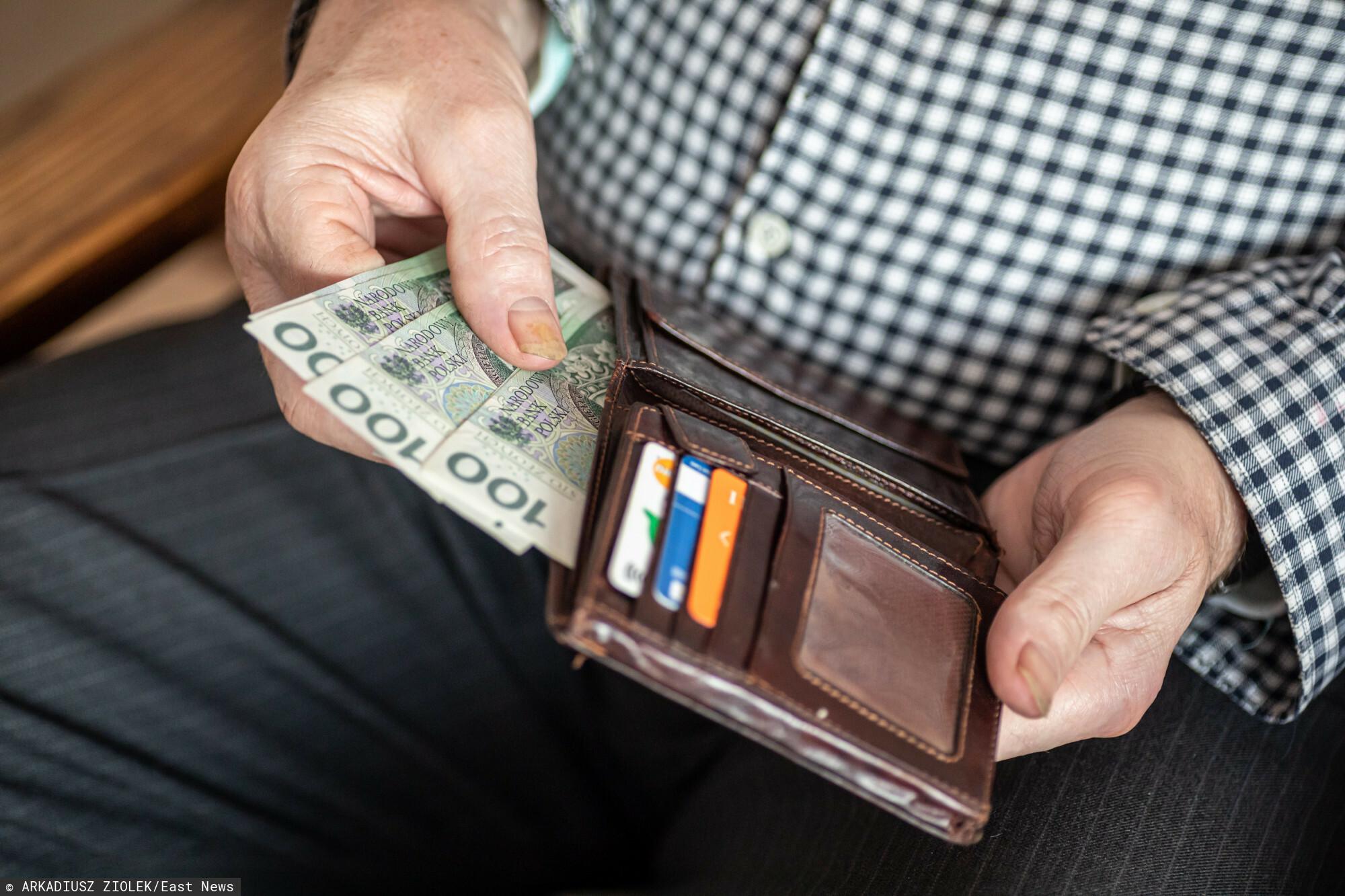 Ile wynosi emerytura minimalna i komu przysługuje?