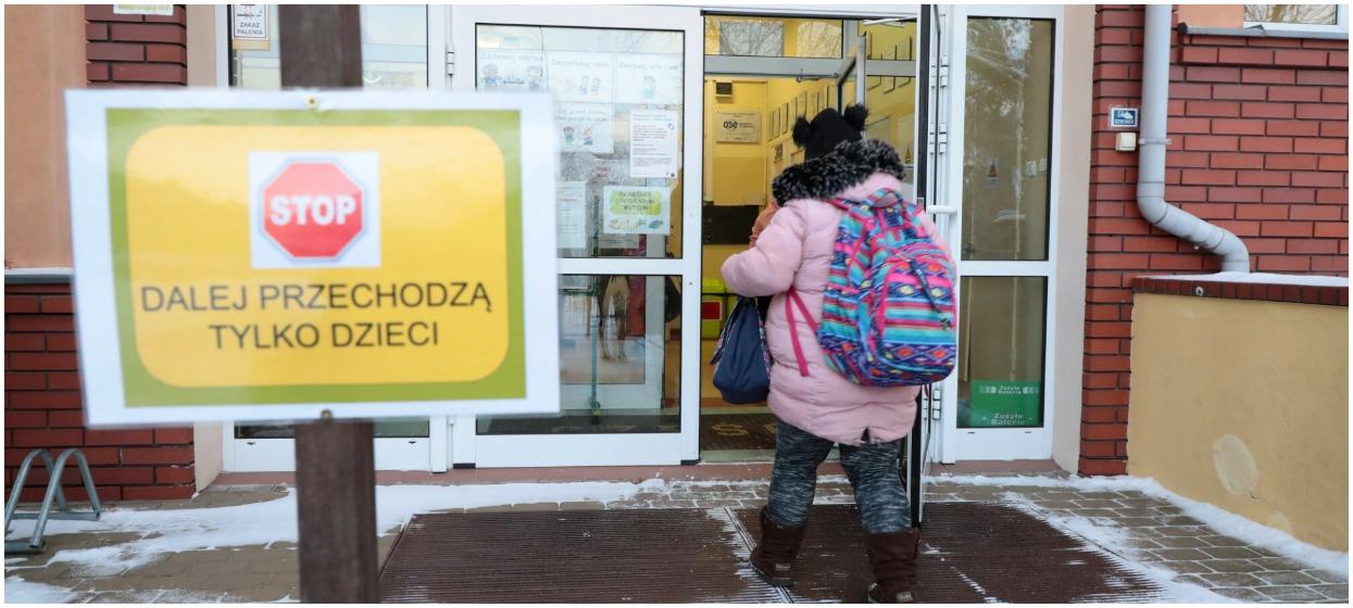 Fot. Piotr Molecki/East News, Warszawa, 18.01.2021. Dzieci klas 1-3 wracaja do stacjonarego naczania w szkolach.