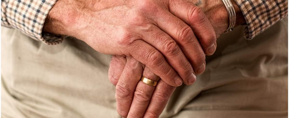 Leki dla seniorów często są darmowe. Czy seniorzy powinni utrzymać ten przywilej?
