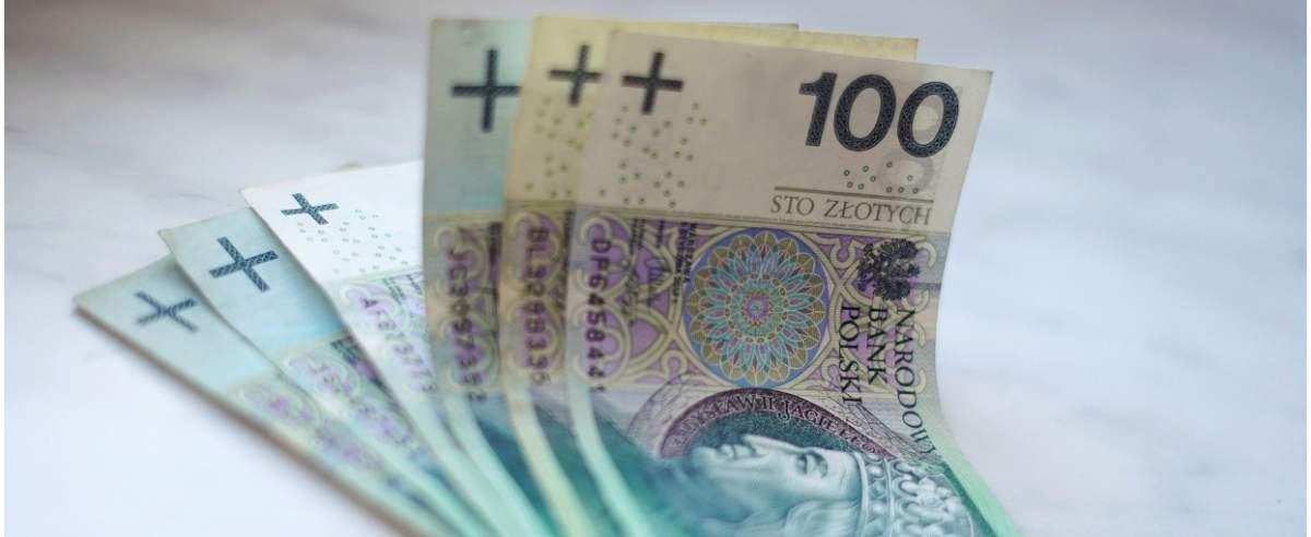 Opłaty i podwyżka w bankach