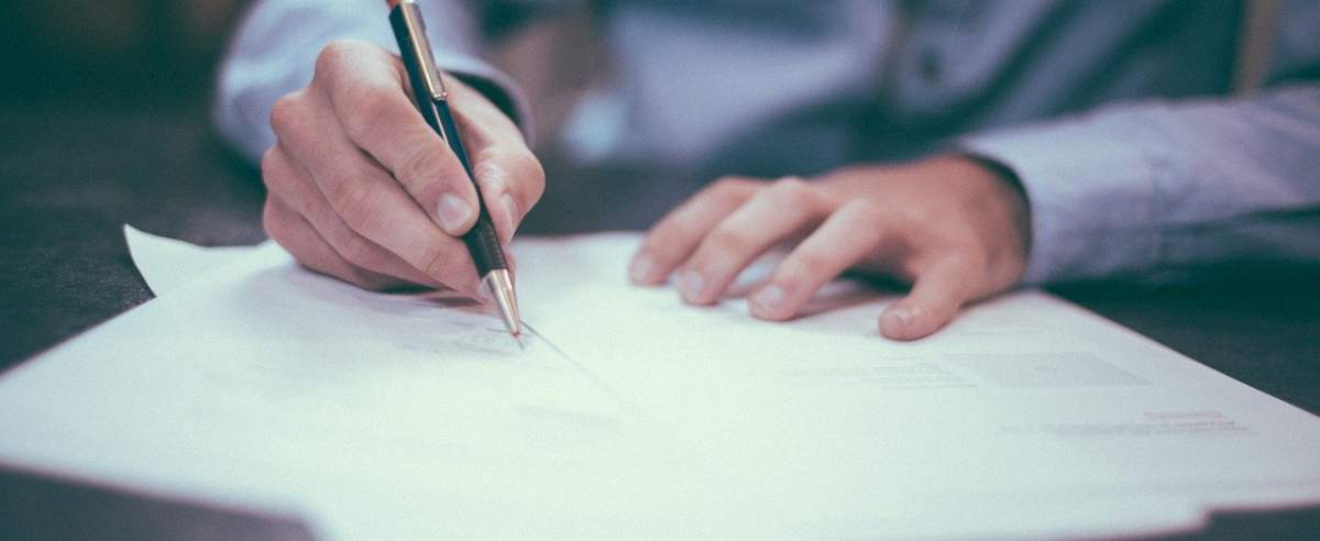 Czym jest cesja i jak powinna wyglądać umowa cesji?