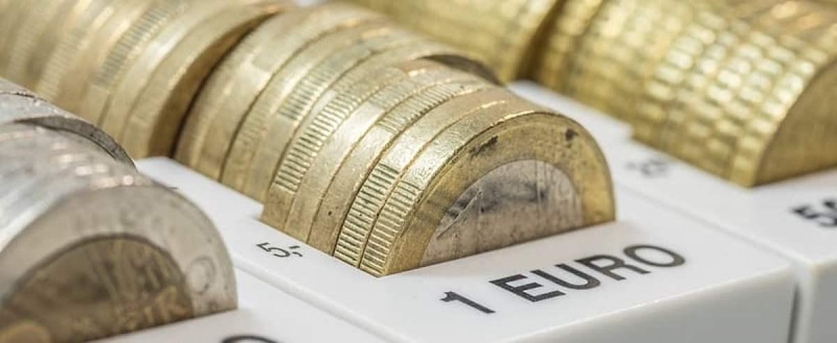 Kurs euro zalicza spadek
