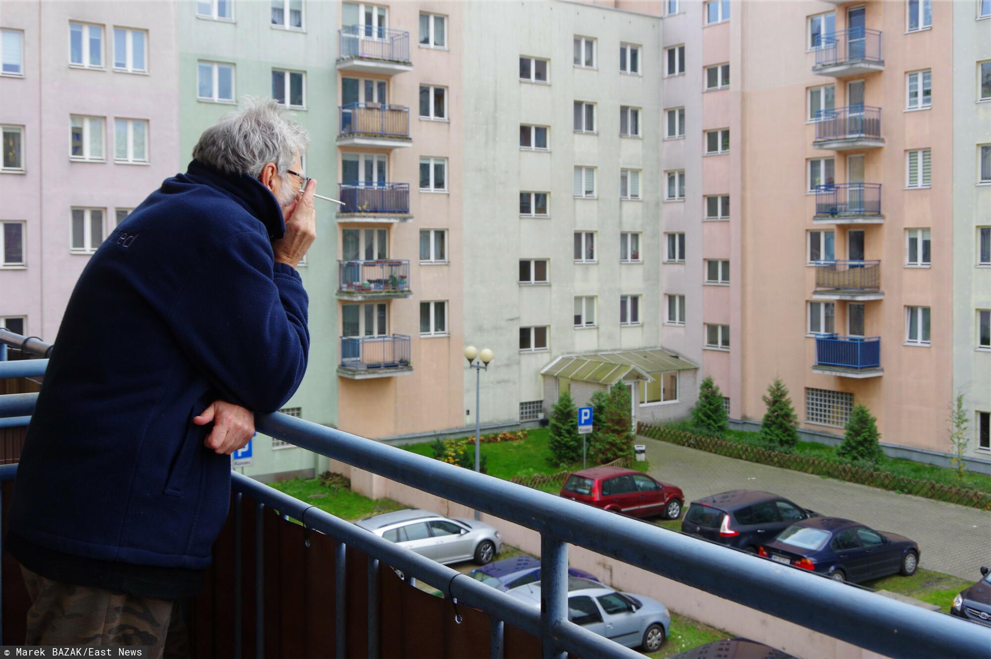 Zakaz palenia papierosów na balkonie jest możliwy