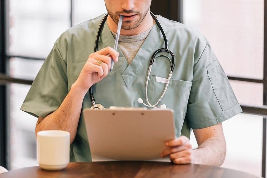 Praca za granicą przyciąga polskich lekarzy