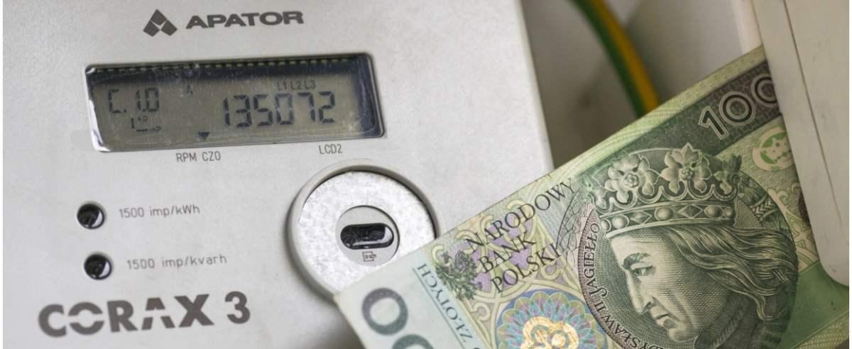 fot: Arkadiusz Ziolek/ East News. n/z Licznik energii elektrycznej.