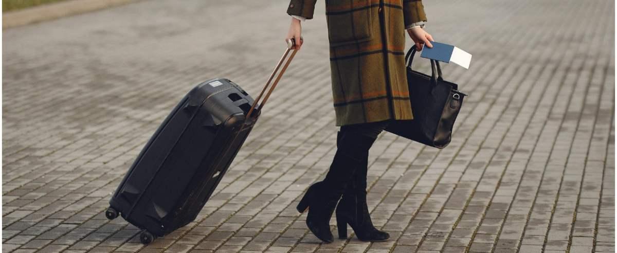 Dziennik Ustaw z nowym rozporządzeniem w sprawie podróżowania
