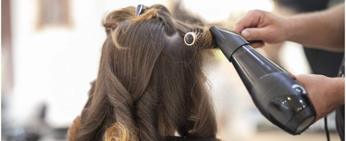 fryzjer-pixabay-enginakyurt
