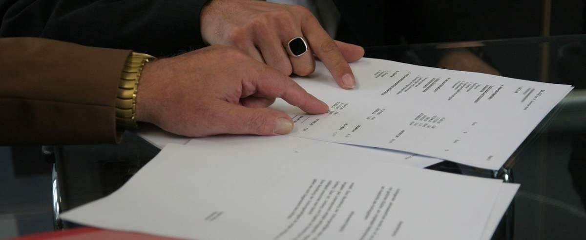 Czym jest umowa agencyjna, kiedy się ją zawiera i kogo dotyczy?
